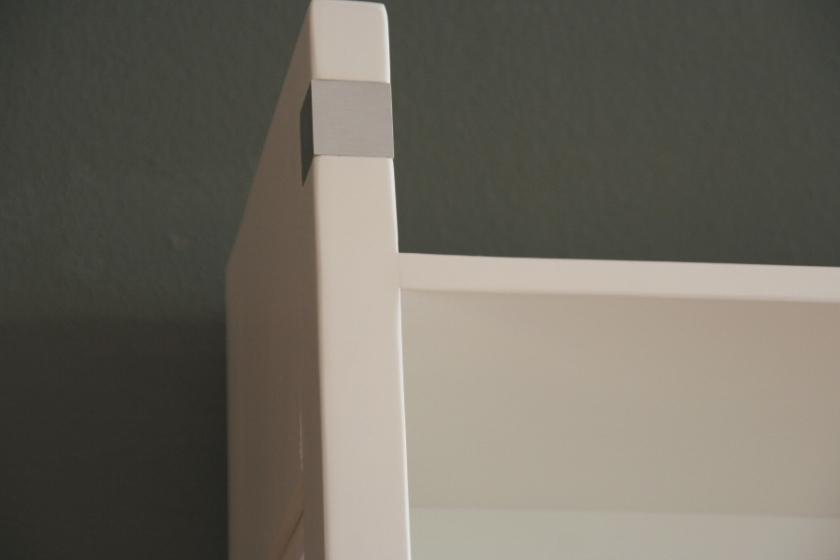 regal einsplus massiv holz erle wei lackiert. Black Bedroom Furniture Sets. Home Design Ideas